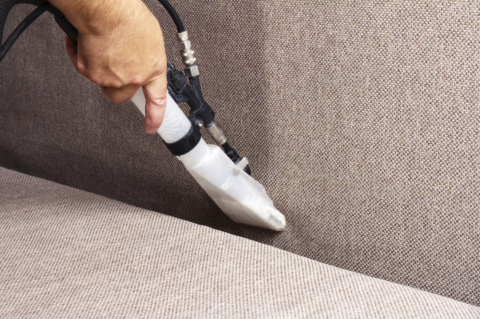 Best Upholstery Cleaning Contractor